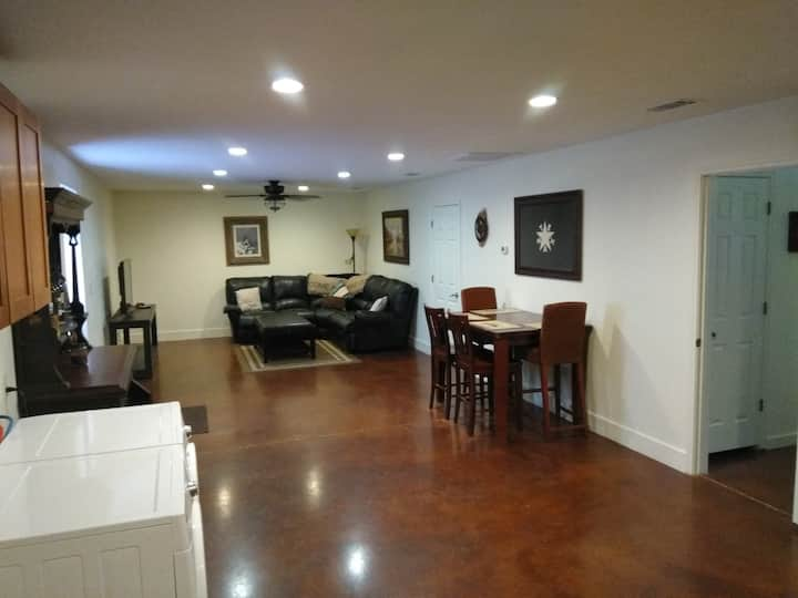 Arrowhead Apartment 2