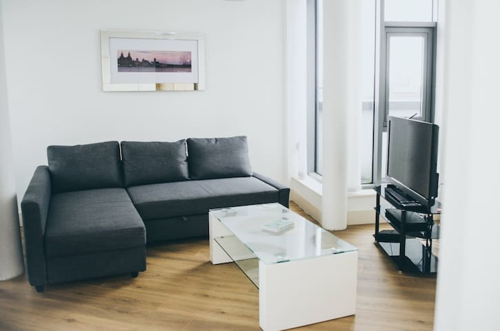 Bright modern City apartment w superview & parking