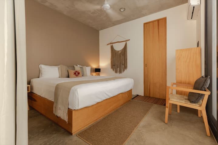 Casa UMI (Saona Room) Little Mexican Hotel