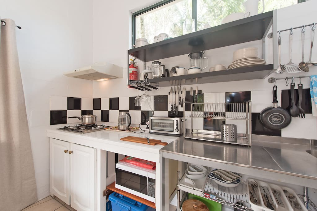 Sparkling, practical kitchenette with everything you need.