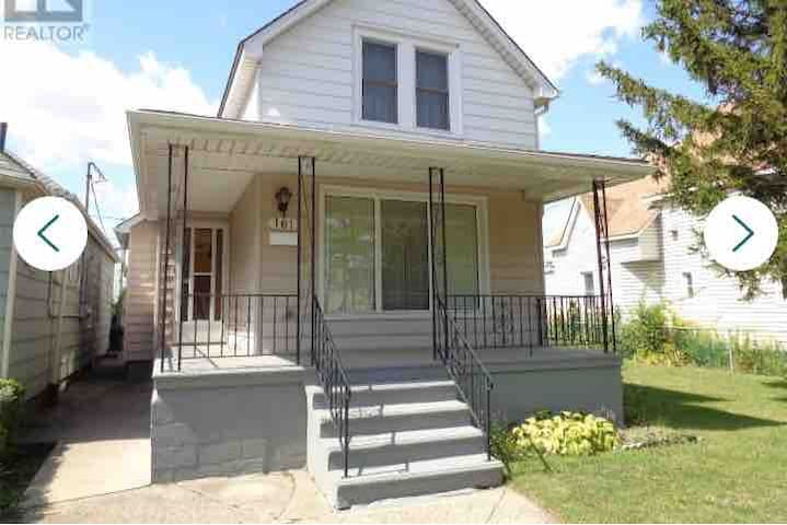 Entire house steps from Casino, Waterfront & DT