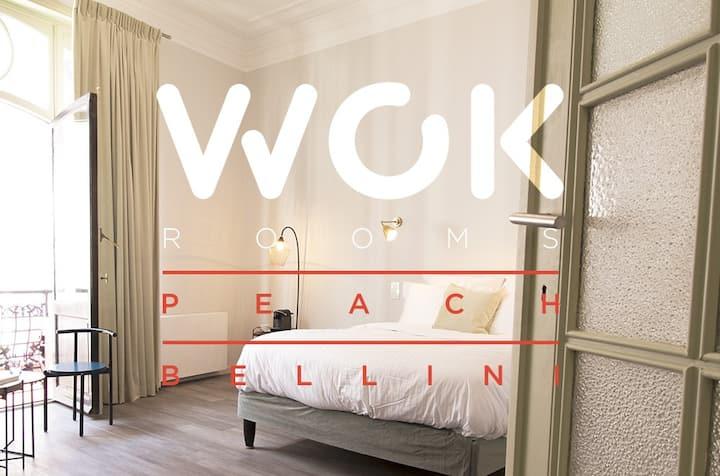 Peach Bellini: Large Design Room, perfect location