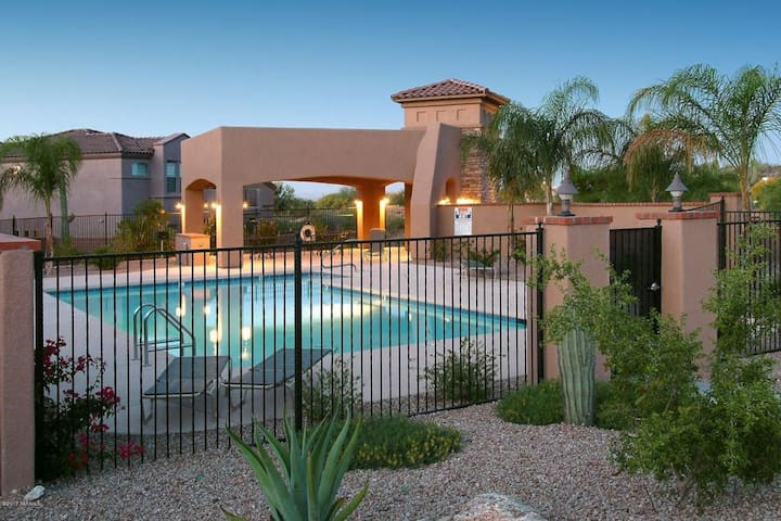 GREAT Gated Foothills Home. BIKE, HIKE OR GOLF