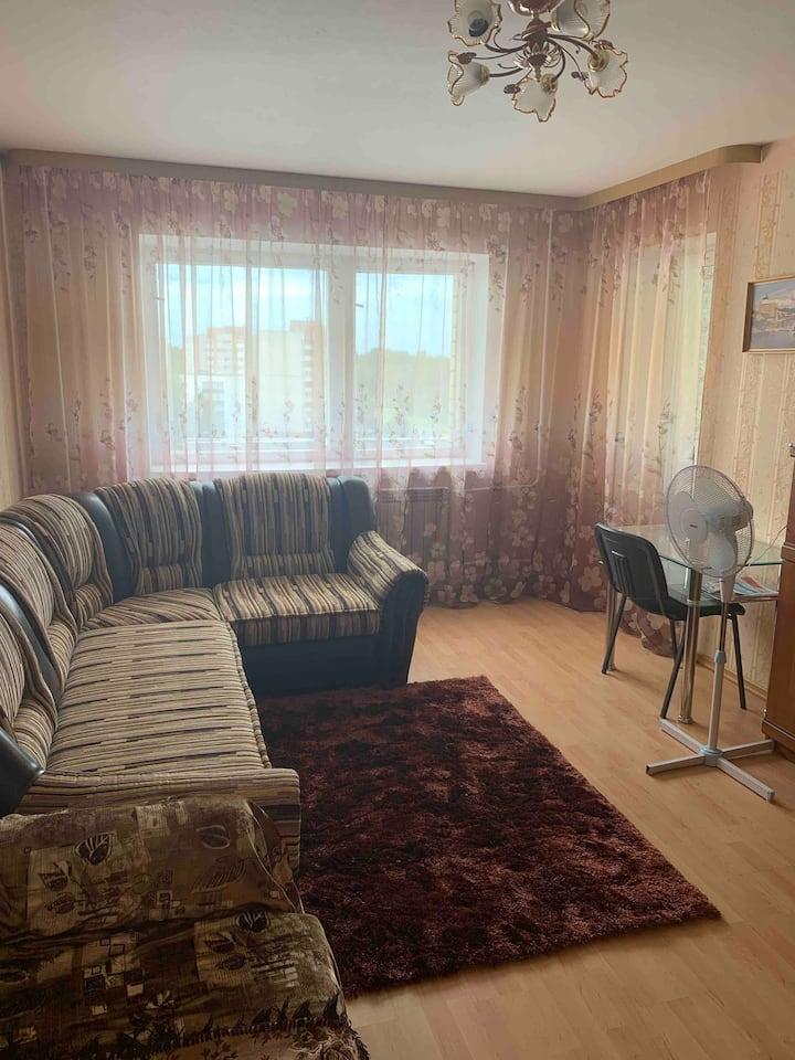 Ореховая горка.Уютная квартира с балконом и лифтом