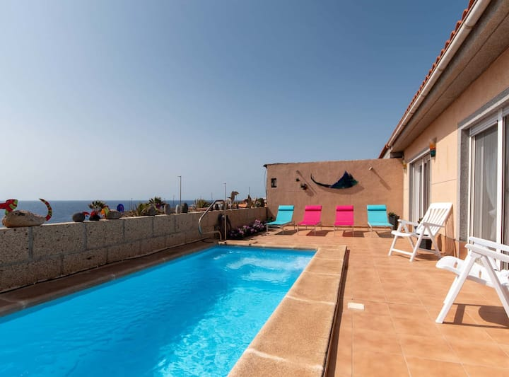 Villa Birgit: villa with private pool and sea view