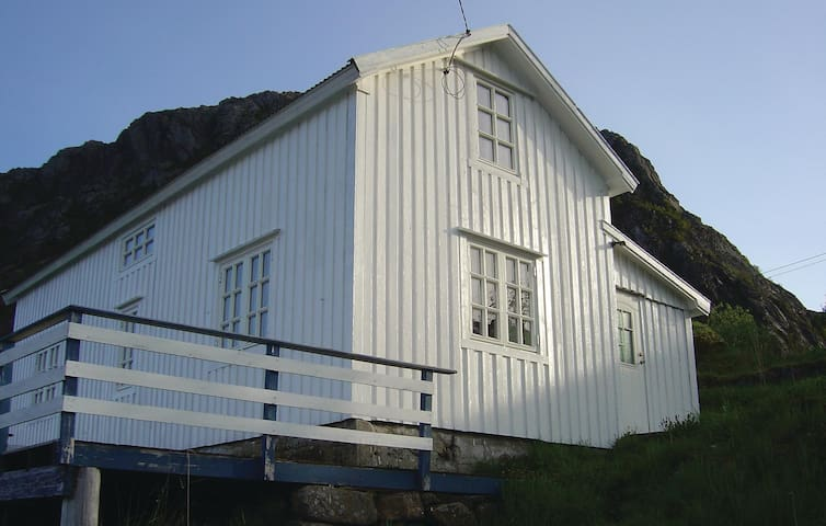 Holiday cottage with 3 bedrooms on 80m² in Sund
