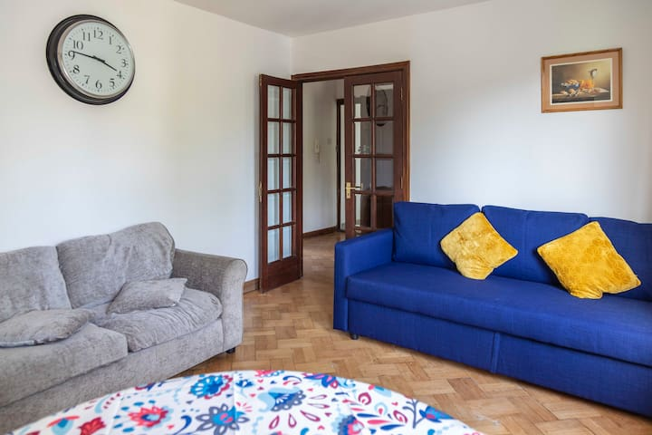 Funky, cool one bedroom flat in Maida Vale, Zone 1