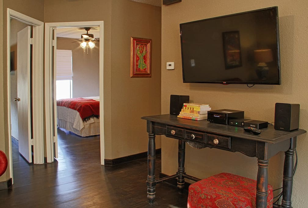 Via Libre has a large flat-screen TV in the living room as well as a smaller one in each bedroom.