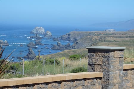 "Welcome to ""My View""  - Bodega Bay - บ้าน"