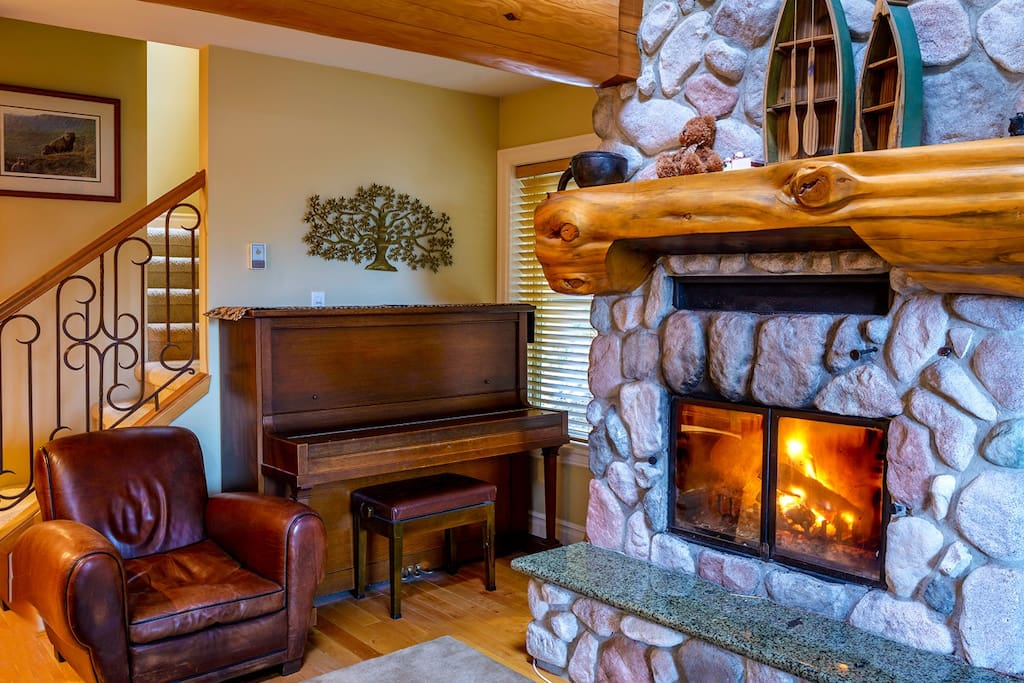 Ski in out cabin whistler village apartments for rent in for Cabine in whistler