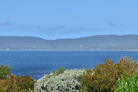 """Harbour Views. """"Home Stay"""" Suite. - Albany /Port Albany"""