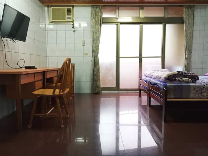 山水之間 自由舒適 生活便利 頭城大坪數雙人套房