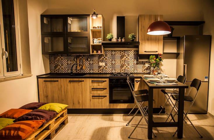 Cucina-soggiorno al piano terra