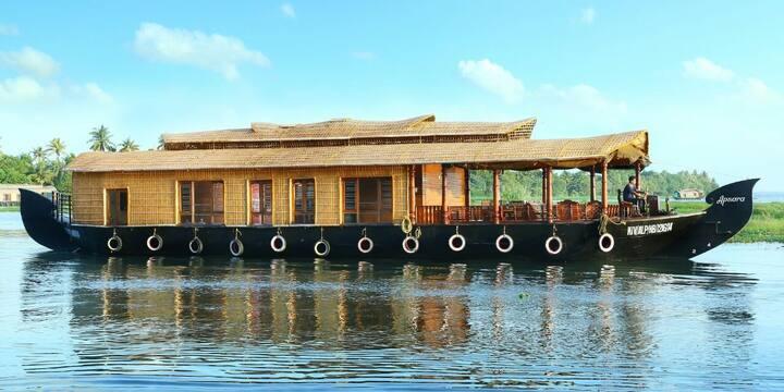 Deluxe Houseboat,2 bedroom@Kumarakom