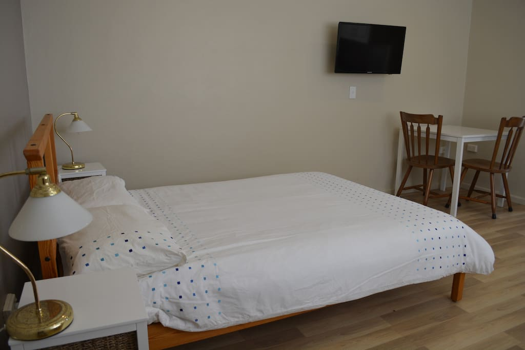 Double Bed, linen provided