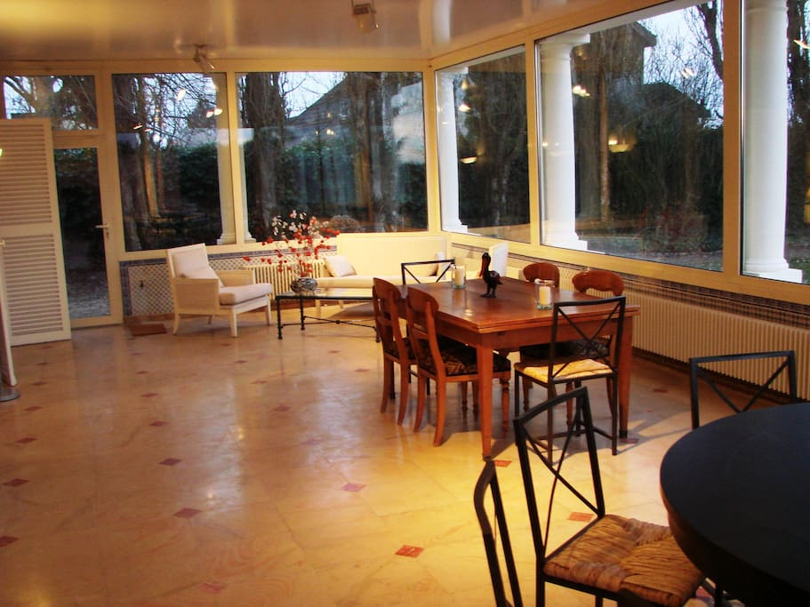Grand gite familiale yvelines houses for rent in for Jardin 5 thoiry