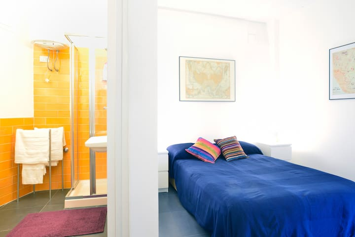 Cozy Flat and Free Parking! - Naples - House