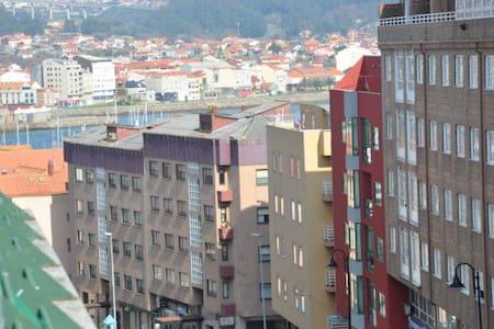 Atico con terraza en Cangas - Cangas de Morrazo - 아파트
