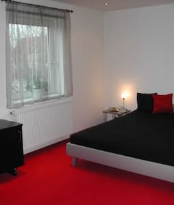 HA031 -  2-Rooms-Flat in Mittelfeld - Hannover