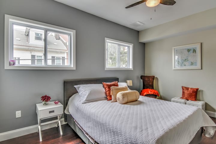 Lawrenceville Beautiful Modern Bright Comfy Room