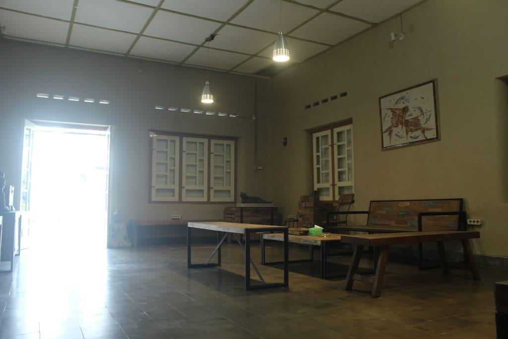 Ruang Tamu / Living Room