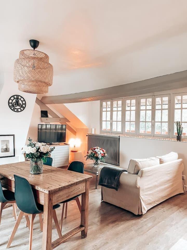 """Chambre privée '' Les Ombrages """" dans une maison"""