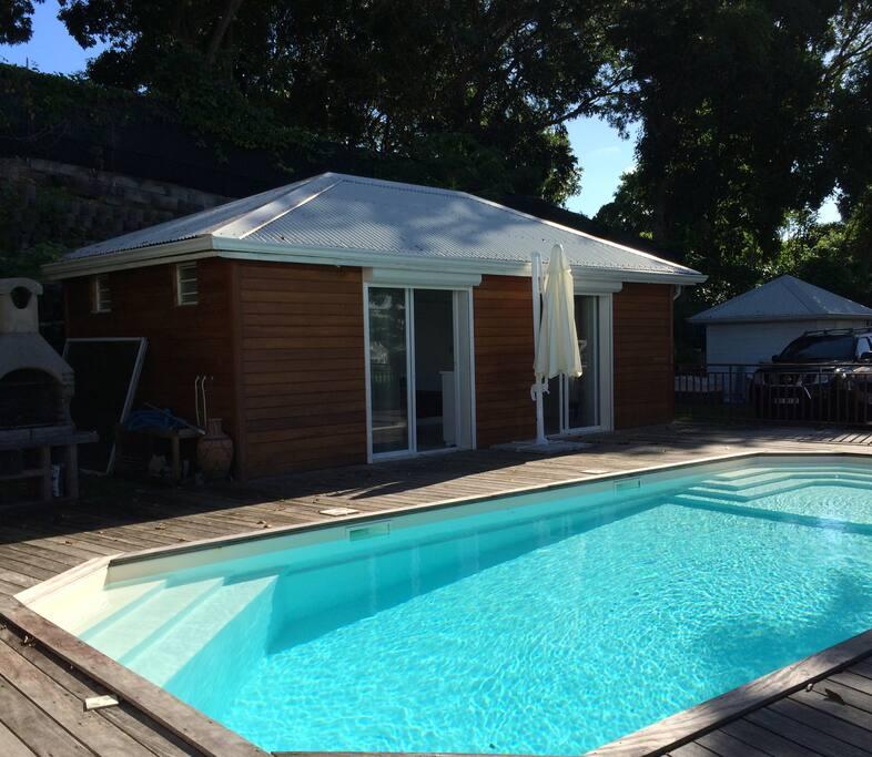 Bungalow climatisé avec accès direct à la piscine de 8X4.