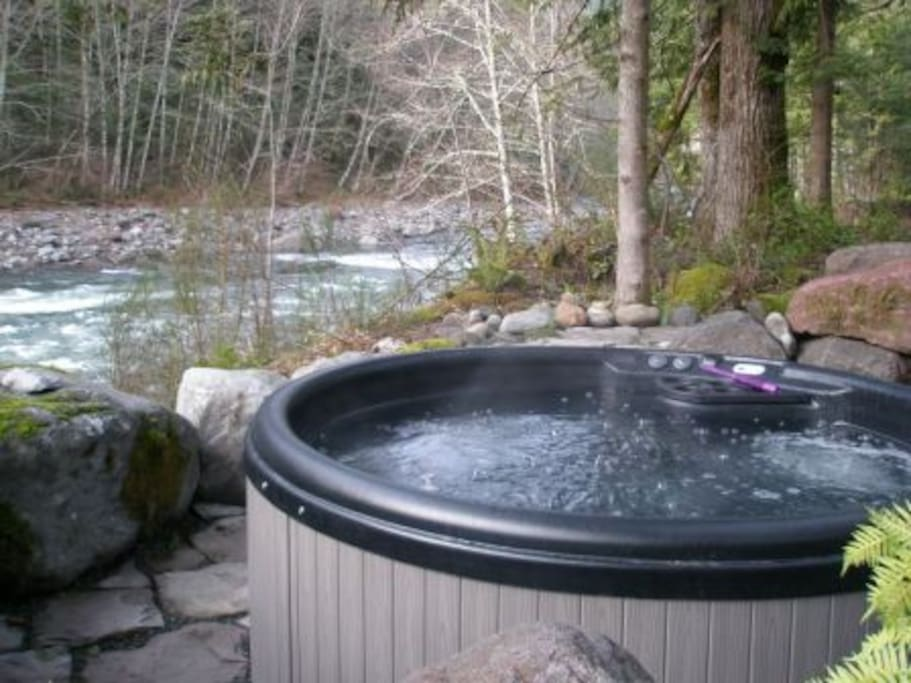 Hot Tub on the Sandy River