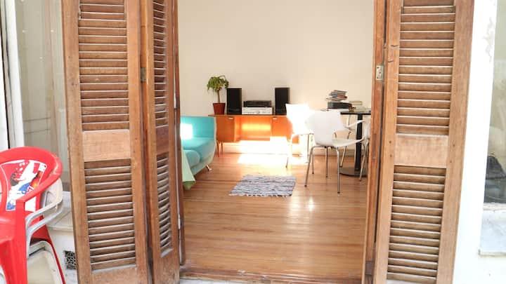 Private Room in Vintage House in La Paternal