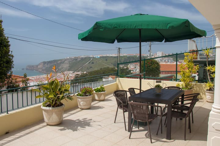 NEW!! - The best view over Nazare! Cozy Apartment