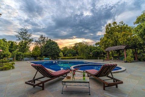 Private Villa w/BKFST+Pool+Jacuzzi Near Chandigarh
