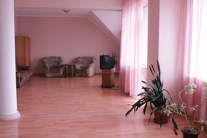5-комнатная квартира в центре