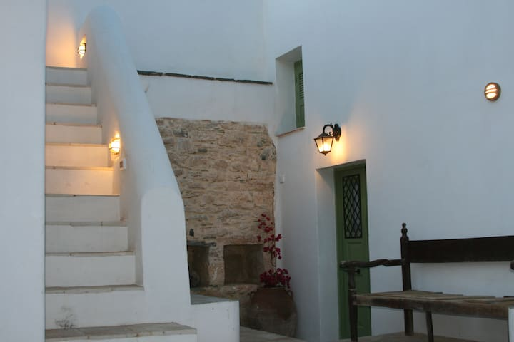 Traditional House - Old Mansion - Folegandros