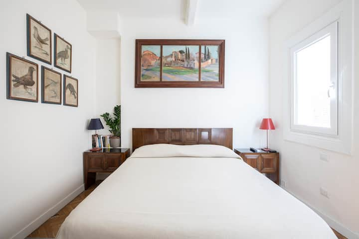 Cool design apartment in the heart of Florence