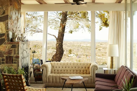 High Desert House - Yucca Valley - Hus