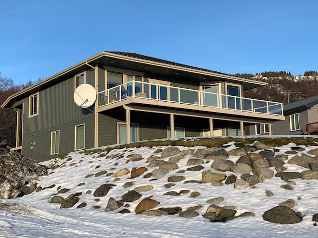 Summit View Home