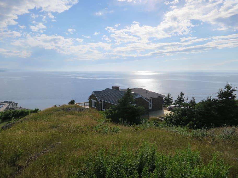 Ocean, cottage, sun...