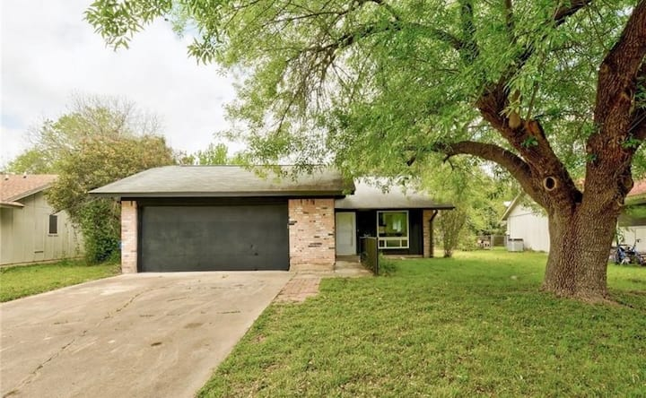 Remodeled South Austin Home 🐶🐱 Airport/DT 10 min