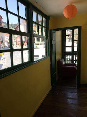Apto. plaza del ayuntamiento 1 - Tineo - Apartament