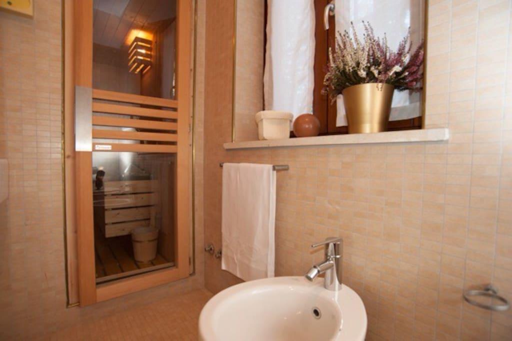 Il bagno con sauna