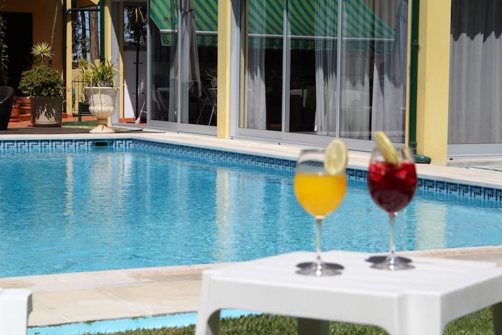 GuestHouse Pool&Sea Espinho Oporto - Anta - House