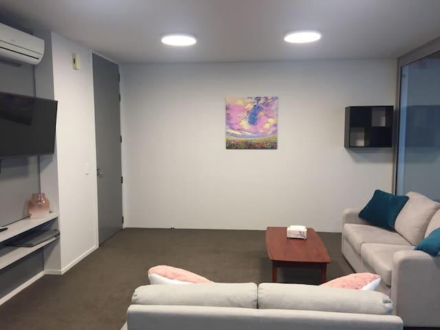 Hamilton Central Modern Apartment, 1 Bedroom