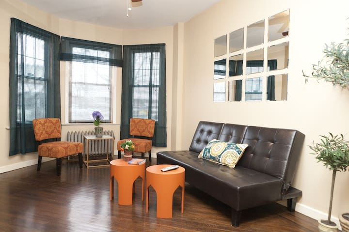A New Renovated House Close to NYC - East Orange - Hus
