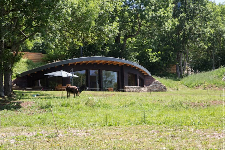 Bulles d'Herbe :the wood's bubble. Private Hot tub