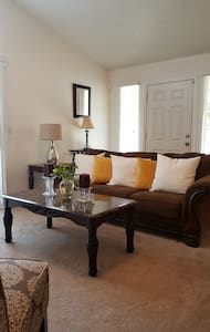 New 2br 2ba stunner in great area!