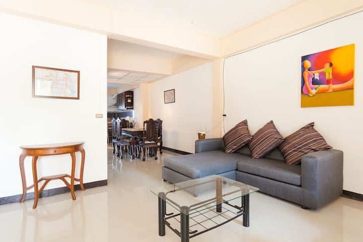 Private Town Home (Riverside area in town) - Chiang Mai