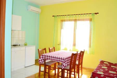 Apartmants Albina / One Bedroom A4 - Brodarica - Pis