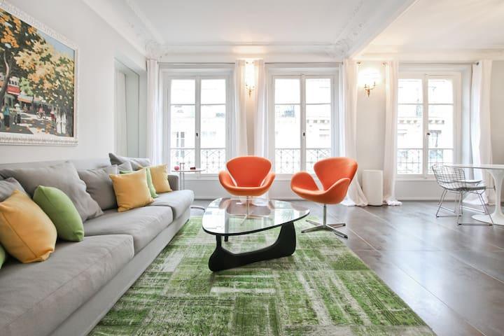 The Trésor Collection: Renoir - Paris - Apartamento