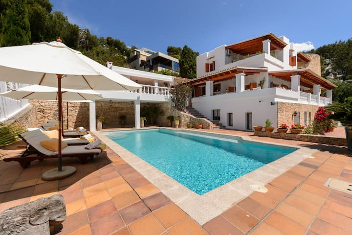 Amazing house w/ pool and sea view - Can Furnet - Talo