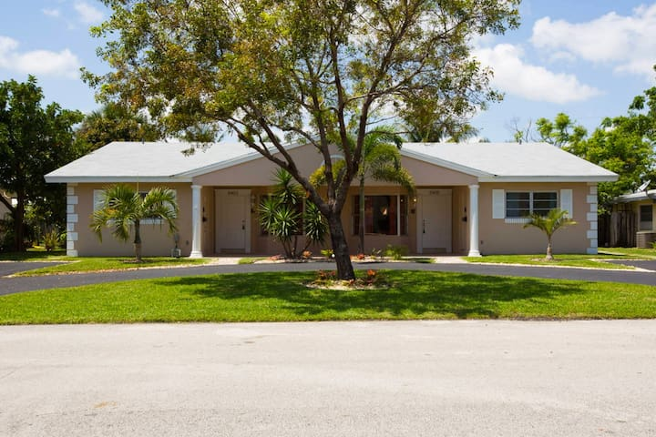 HUGE/Modern/New/5min to The Beach (1) - Fort Lauderdale - Huis